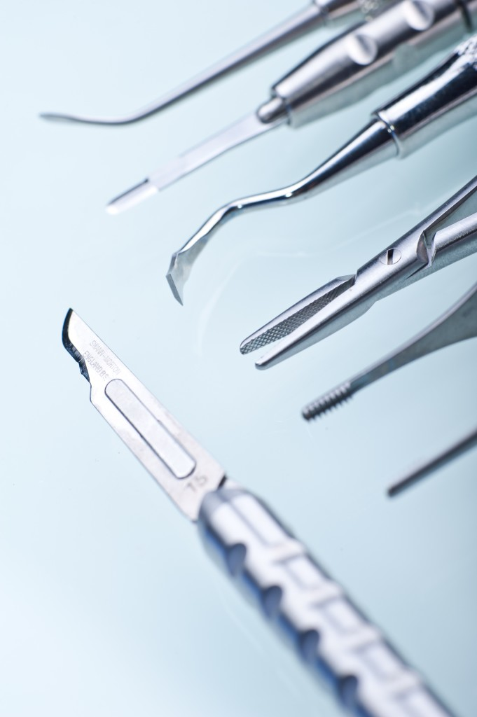 dentist_dental_tools_scalpel-681x1024.jpg