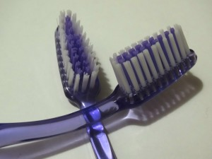 hard-tooth-brush-300x225.jpg